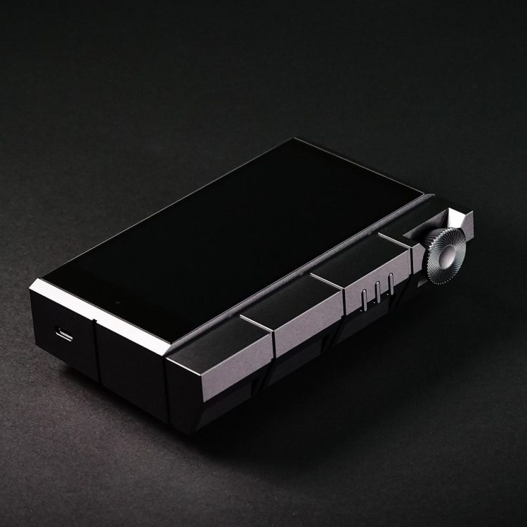 astell & Kern kann cube portable player
